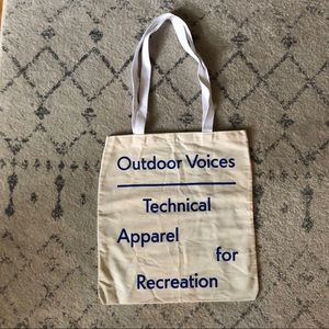 Outdoor Voices Tote! 🌼